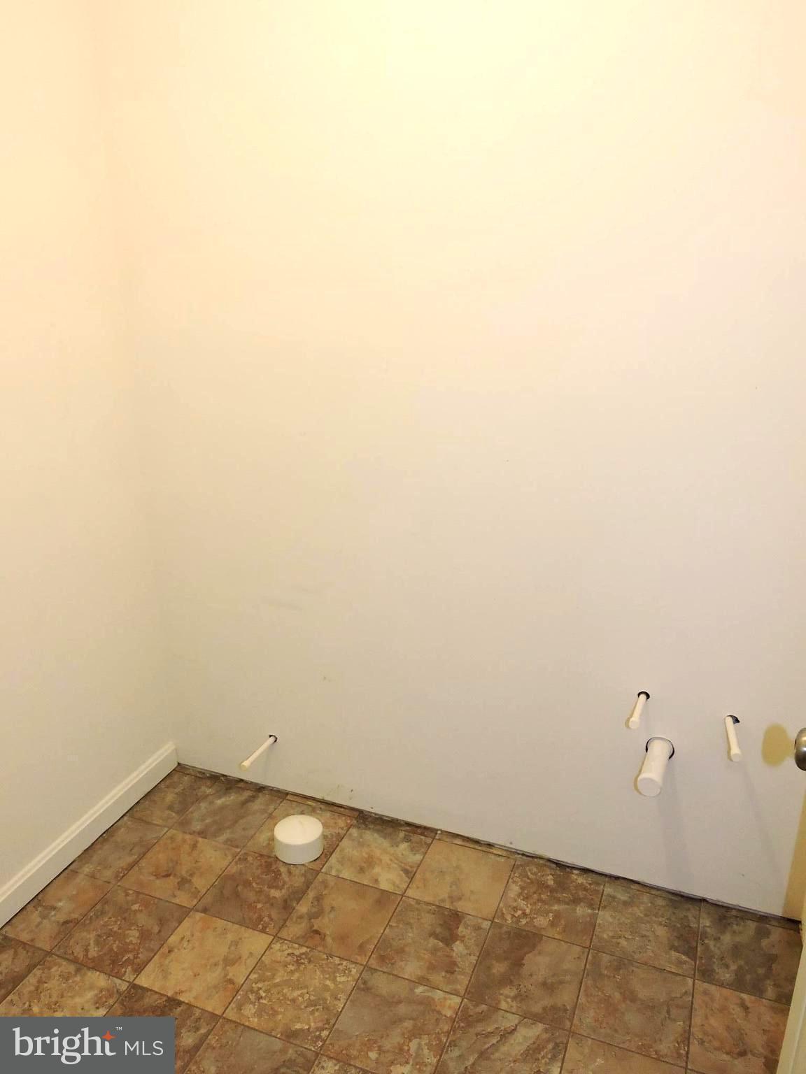 46 KENNEDY CIR, Martinsburg, WV 25404 $184,900 www.mattridgeway.com ...